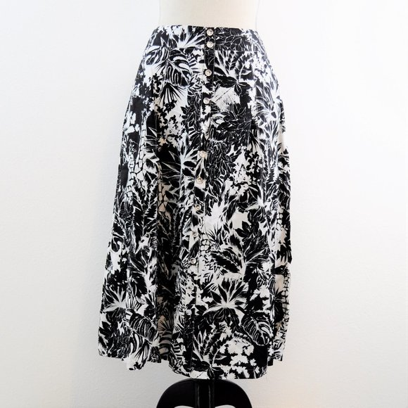Floral black skirt with Pockets